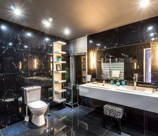 łazienka czarno biała