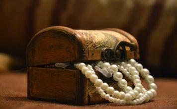 kuferek na biżuterię