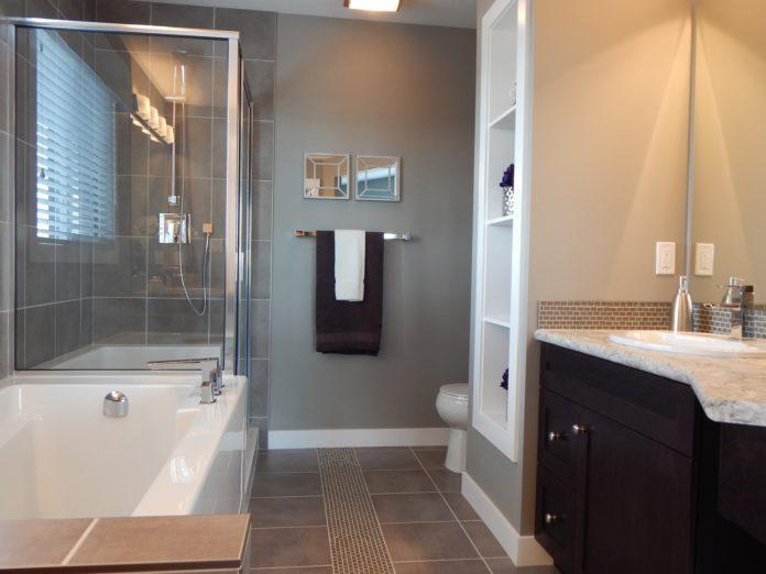 małe łazienki z kabiną prysznicową