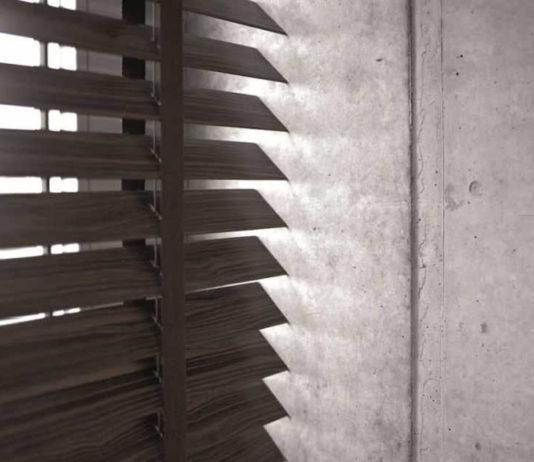 Drewniane żaluzje są piękne i trwałe