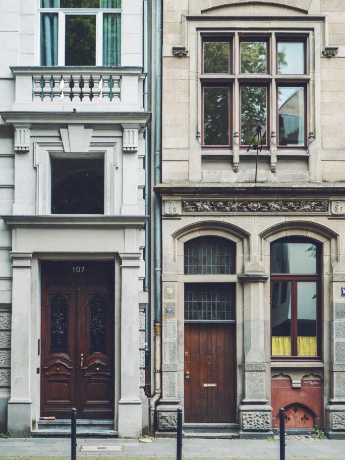 Gdzie warto kupić dom w Warszawie