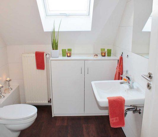 Jakie szafki łazienkowe sprawdzą się na małej przestrzeni