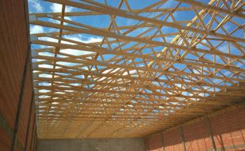 Wady i zalety przemysłowych hal drewnianych
