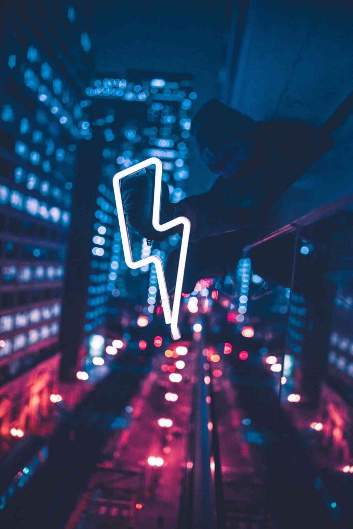 Zmiana sprzedawcy prądu – jak oszczędzać na rachunkach za prąd