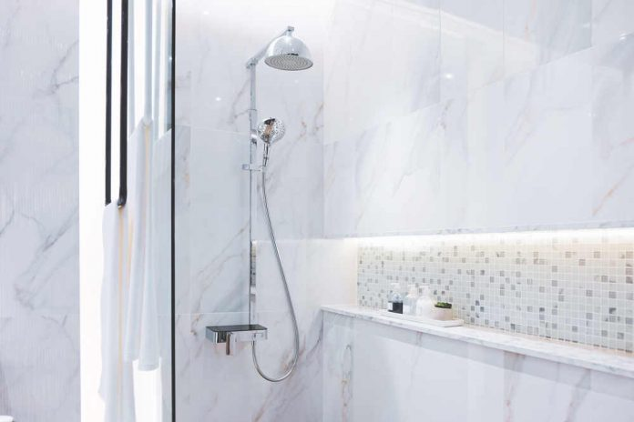 Najlepsze pomysły na urządzenie małej łazienki