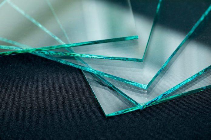 Czym charakteryzuje się szkło typu float