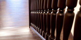 z-jakiego-drewna-wykonuje-sie-schody-wewnetrznych
