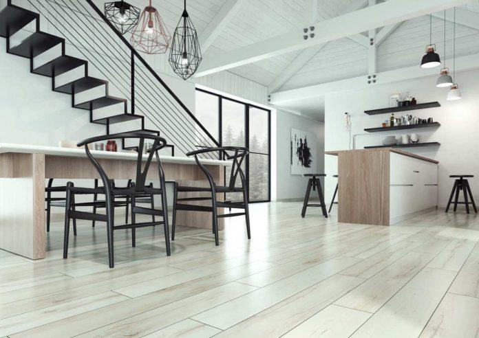 Panele podłogowe z V- fugą czy bez – pomagamy wybrać odpowiednią podłogę