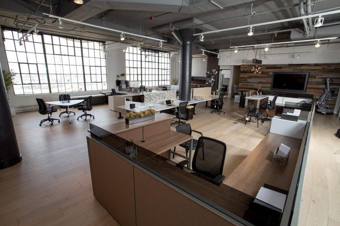Meble metalowe do biura, gabinetu i nie tylko