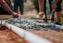 Taras ogrodowy - przygotowanie podłoża i dobór betonu