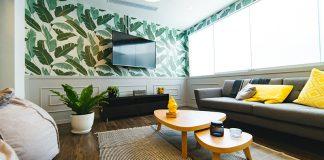 Tapeta samoprzylepna jako świetny sposób odmiany Twojej ściany.
