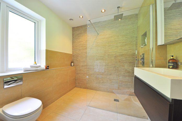 Jak zaplanować montaż urządzeń w toalecie publicznej?