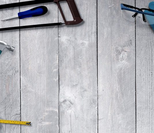 Kalendarzowe lato – czas na remont salonu