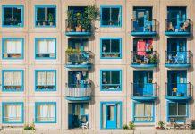 Aranżacje balkonu w bloku - inspiracje